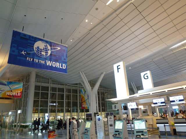 ホノルル国際空港行きの航空会社の選び方