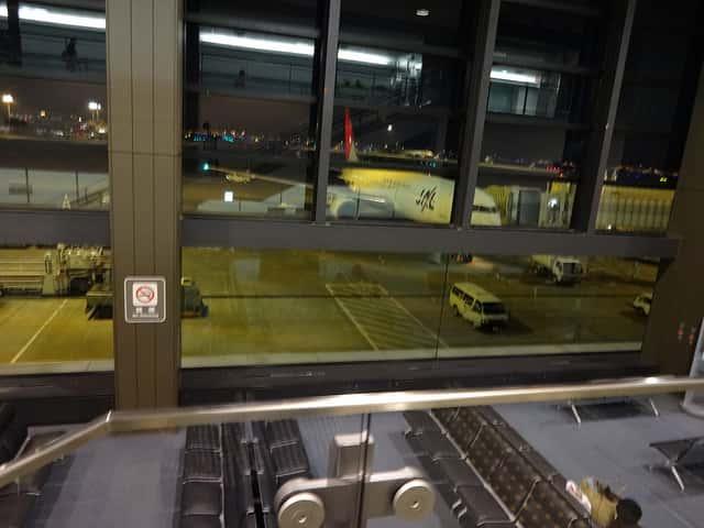 空港の搭乗手続きで預けた手荷物を一度返して貰った話