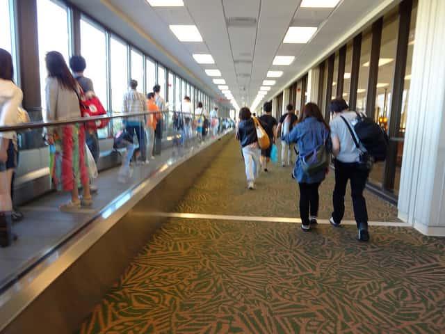 シニアとのハワイ旅行でホテルのチェックイン時間までの休憩方法