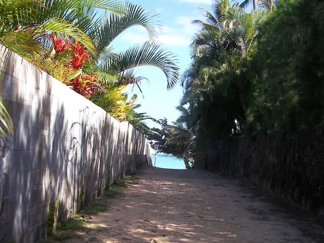 ハワイ旅行でビーチ用カメラをお得に用意するための裏ワザ