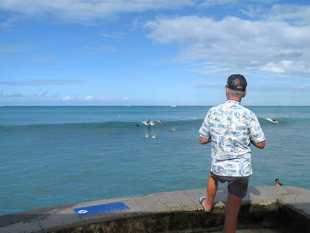 ワイキキで生まれて初めてサーフィンをする人が気をつけること