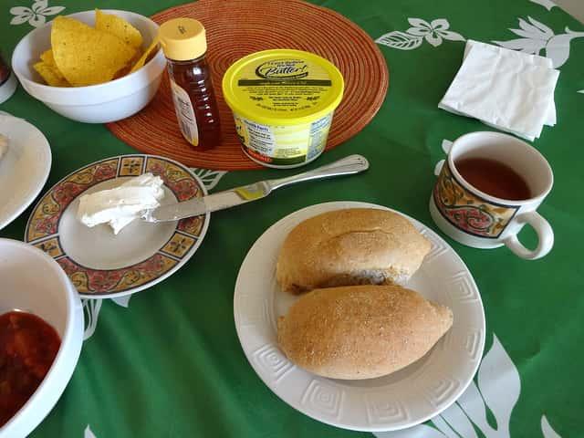 ハワイ旅行ではホテルの朝食付きプランは必要ない理由