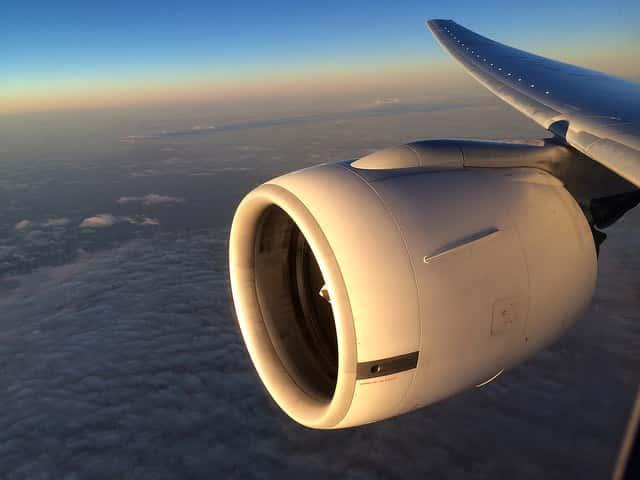動画で見るハワイ行きの飛行機内からの絶景