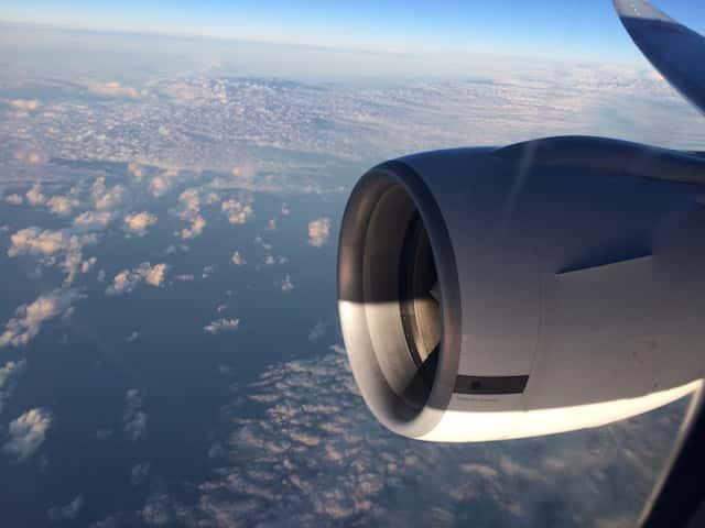 ハワイ旅行の飛行機は揺れる?飛行機の揺れの不安を少なくする方法