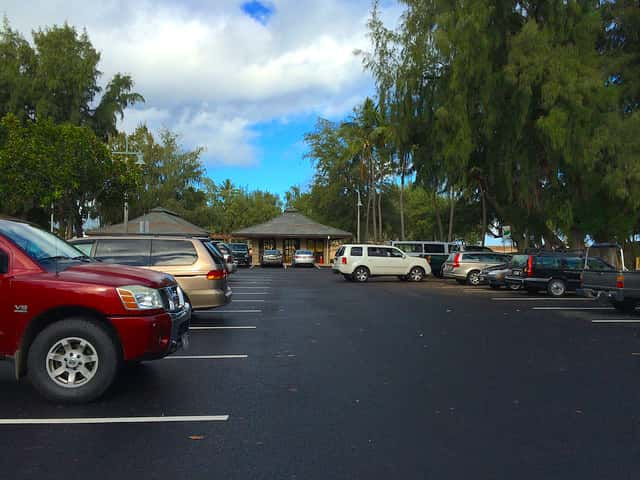ハワイで初レンタカーの人へ!カイルアビーチパークの駐車場の使い分け方