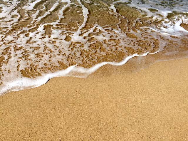 ハワイのビーチで遊ぶ人に伝えたい離岸流の怖さ