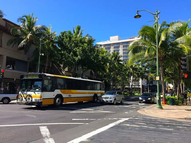 ハワイ旅行中にティファニーで結婚指輪を買いたい人は税金に注意