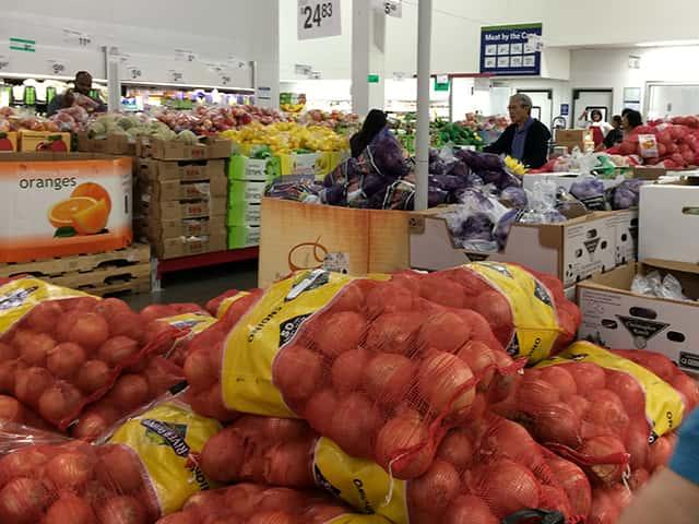 バラマキ土産も安い!ワイキキの近くで大量の食品をお特に買える店