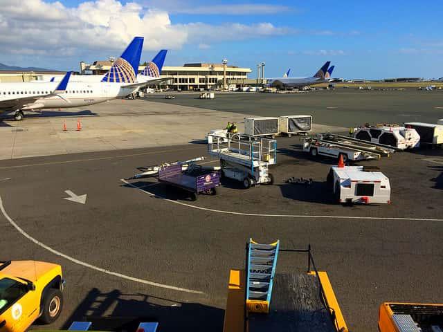ハワイ旅行でのJALと米国系航空会社の違い