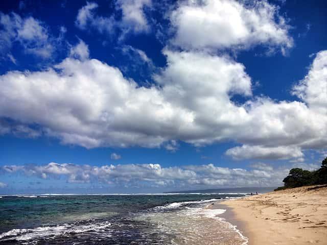 ハワイの誰もいないビーチでヨガを試してわかったこと