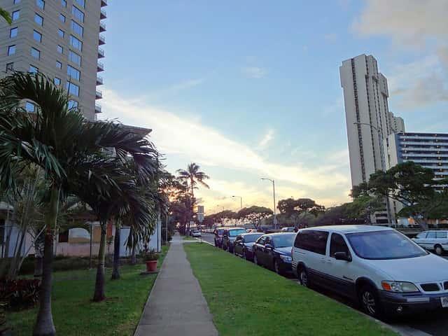 ハワイでレンタカーを借りる人へ!バレットパーキングのみのホテルの不便さ