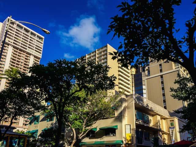 個人手配のハワイ旅行でもパックツアー並みのサービスを受けるための工夫