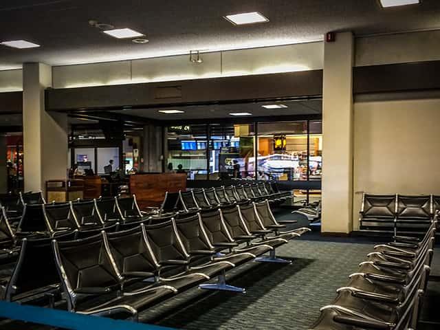 ホノルル空港に到着後すぐSIMフリースマホを使いたい人が知っておくべきこと