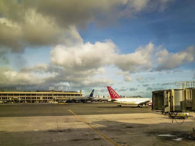 ハワイ旅行でJALの航空券を「高い」と思っている人が知っておくと良いこ