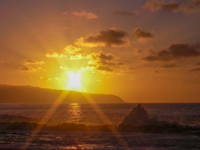 ノースショアのサンセットビーチで夕日を見たい人が気をつけること