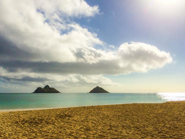 ハワイ旅行に役立つ特典盛りだくさんのクレジットカード
