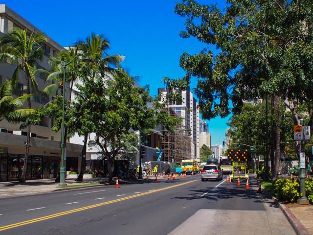 ハワイ旅行で久々にレンタカーを借りる人が気をつけること