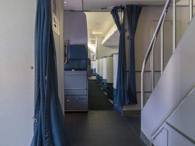赤ちゃんとのハワイ旅行でグズった時に助かる飛行機の選び方