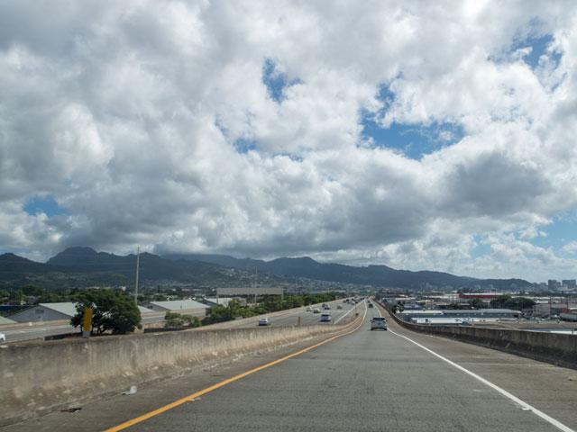 オアフ島でGoogleマップがナビしたH-1への面倒な入り方