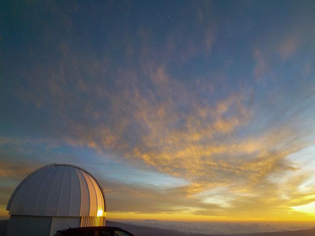 ハワイ島、マウナケア山頂からの夕日