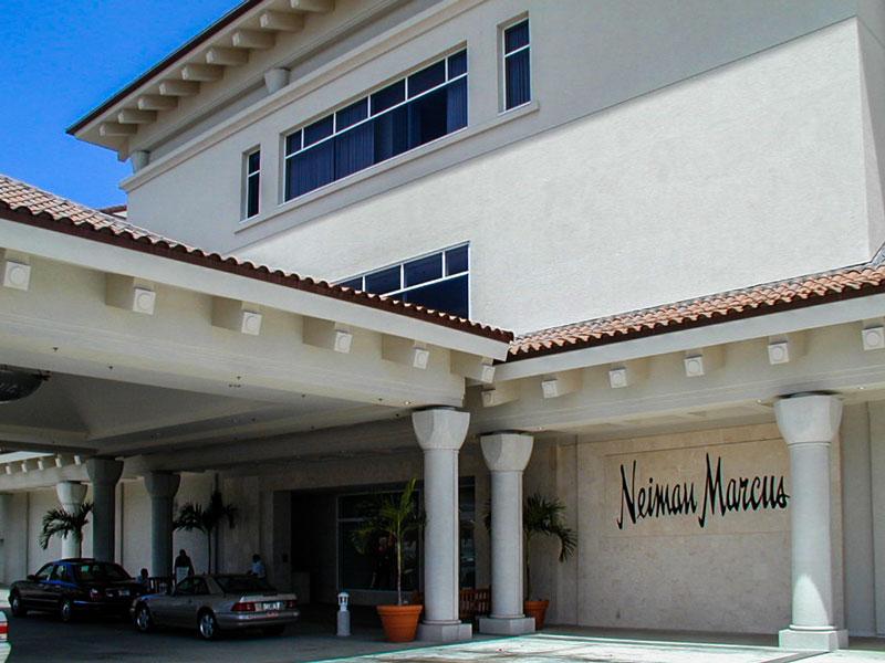 ニーマン・マーカス・ハワイのフロント