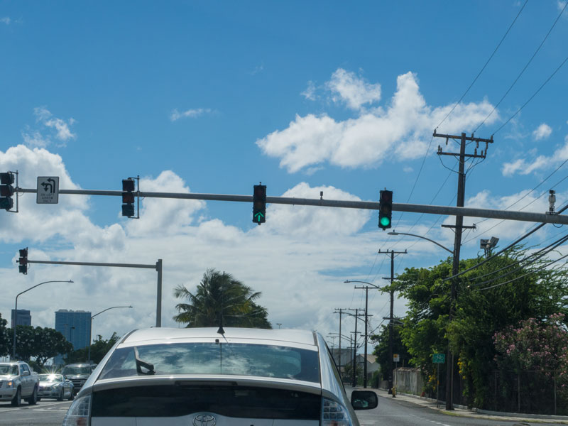 ハワイでカーナビの案内通りに進めないケース