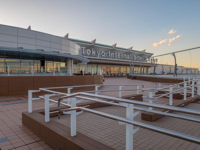 冬場の羽田空港国際線の展望デッキ