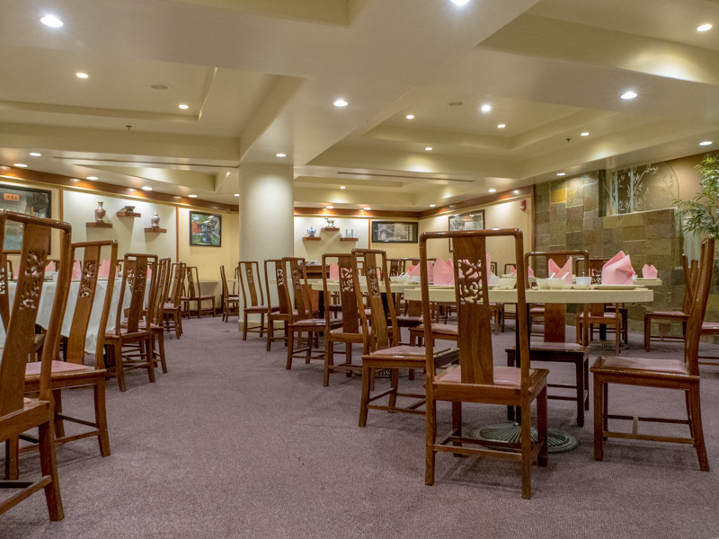 ロイヤルハワイアンセンターの中華レストラン北京の館内