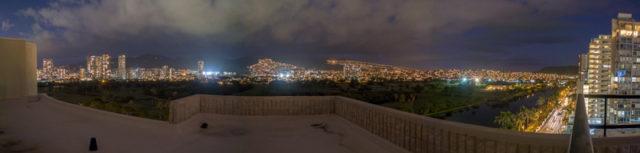 プレミアムゴルフコースビューの11階の北側の夜景の眺め