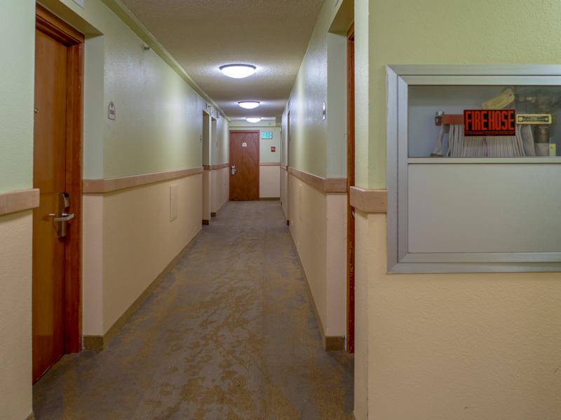ワイキキサンドビラホテルの11Fの廊下