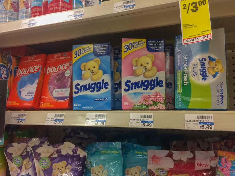 Snuggleの柔軟シートが販売されている様子
