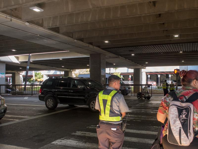 行きのホノルル空港でカートを使えた範囲の例