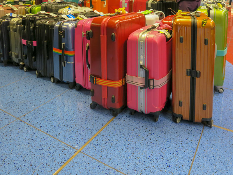 デルタで手荷物に預けるチャイルドシートを包装してもらえたか?