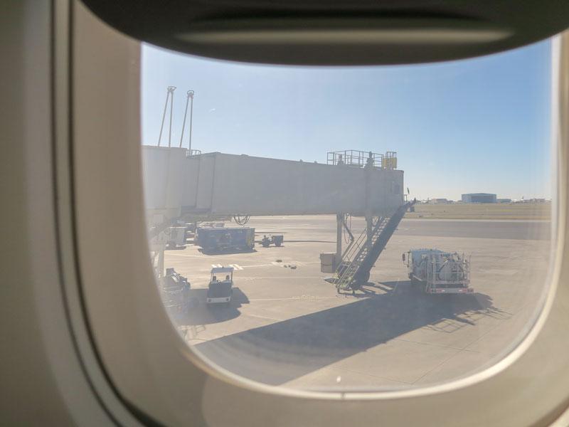 ハワイ旅行で赤ちゃん連れの機内に抱っこ紐を持ち込んでよかった理由