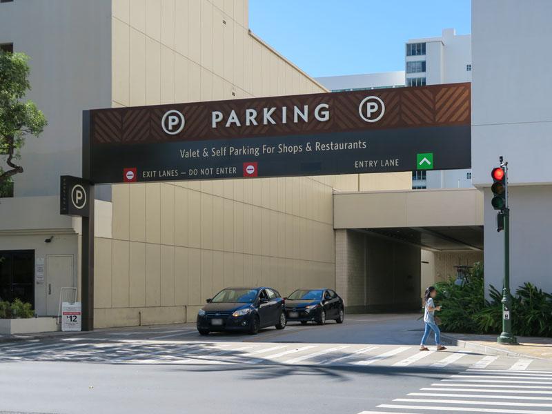 インターナショナルマーケットプレイスの駐車場が日本人旅行者にも利用しやすいと感じた理由