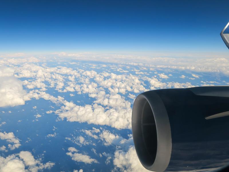 小さい子連れのハワイ旅行、帰りの飛行機で乱気流にあった体験談