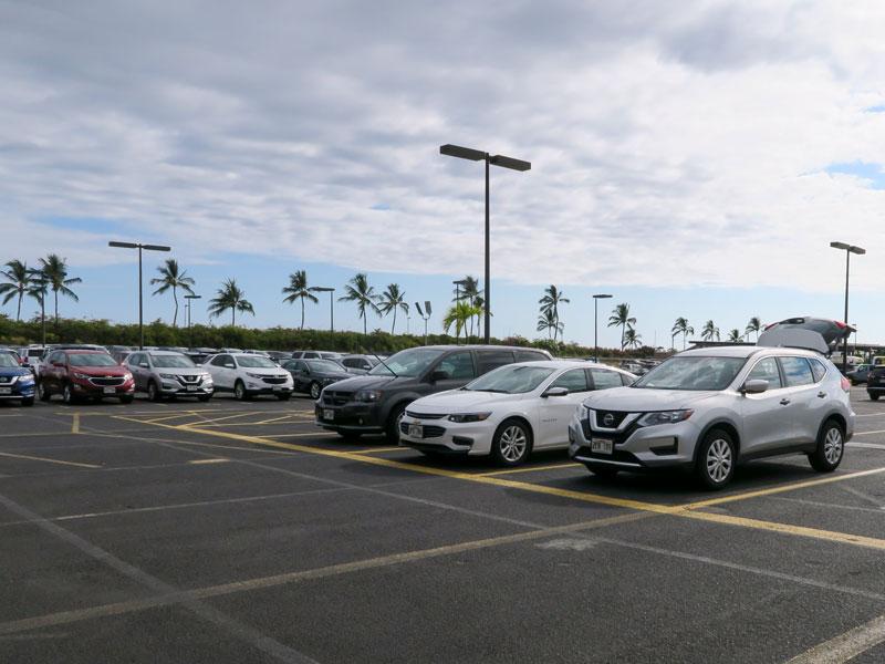 コナ空港のHertz営業所の窓口に寄らずに車を借りられる事実を知った体験談