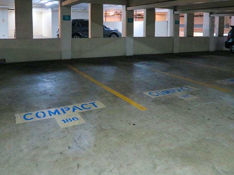 ヒルトン・ハワイアン・ビレッジの駐車場利用時にコンパクトな車を選ぶメリット