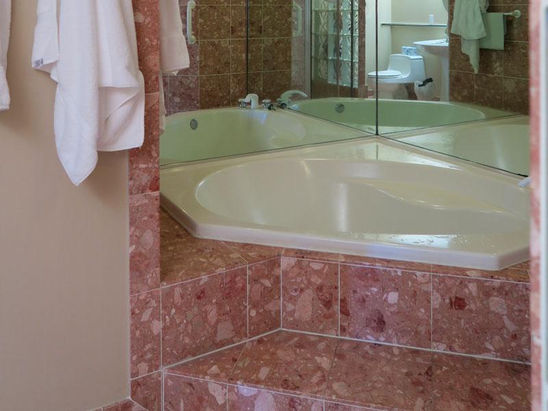 5歳児・1歳児とコナ・コースト・リゾートの2ベッドルームの風呂に入った感想