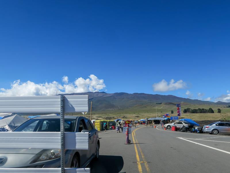 ハワイ島、ヒロまでのドライブ中にデモを見かけ意外に感じた話