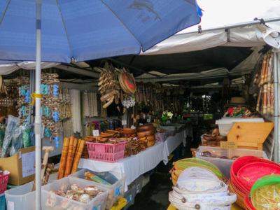 カイルアコナのファーマーズマーケットの雑貨店