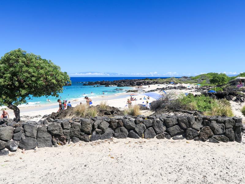 ハワイ島、クアベイでシュノーケリングをしている人を見かけた場所の例